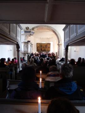 Dialog: Urauffühungen im Gottesdienst - Teicha