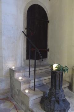 15.NdK Dom mit Tür und Kerzen